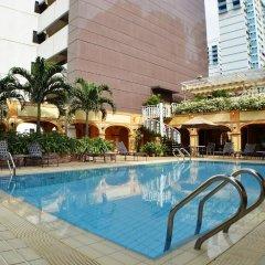 Hotel Grand Pacific бассейн