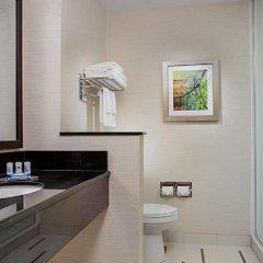 Отель Fairfield Inn & Suites by Marriott Meridian ванная фото 2