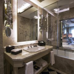 Отель Wyndham Grand Istanbul Kalamis Marina 5* Представительский номер с различными типами кроватей фото 8