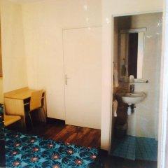 Отель Hôtel Tolbiac Франция, Париж - отзывы, цены и фото номеров - забронировать отель Hôtel Tolbiac онлайн ванная