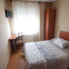 Отель Hostal Sanpatiel Стандартный номер с различными типами кроватей фото 5