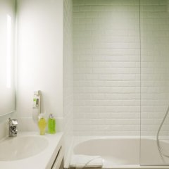 Отель Ibis Styles Paris Buttes Chaumont Париж ванная фото 2