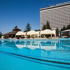 Светлана Плюс Отель бассейн