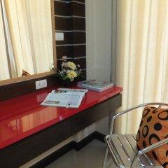 Dengba Hostel Phuket Улучшенный номер с различными типами кроватей фото 5