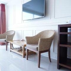 Отель Phuket Airport Suites & Lounge Bar - Club 96 Семейный люкс с двуспальной кроватью фото 9