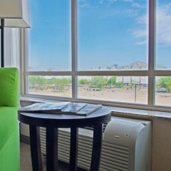 holiday inn hotel suites phoenix airport phoenix united states rh zenhotels com
