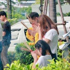 Отель Dusit Suites Hotel Ratchadamri, Bangkok Таиланд, Бангкок - 1 отзыв об отеле, цены и фото номеров - забронировать отель Dusit Suites Hotel Ratchadamri, Bangkok онлайн бассейн фото 2