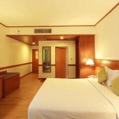 Royal Phuket City Hotel 4* Номер Делюкс фото 5