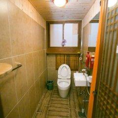 Отель Bukchonmaru Hanok Guesthouse 2* Стандартный номер с различными типами кроватей фото 3