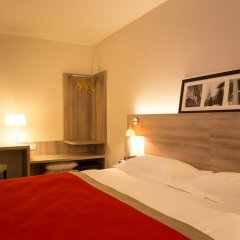 Отель KYRIAD PARIS EST - Bois de Vincennes 3* Улучшенный номер с двуспальной кроватью фото 2