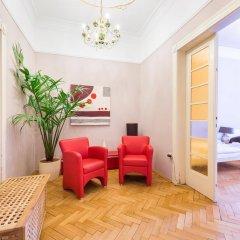 Апартаменты Wenceslas Square Apartment комната для гостей фото 3