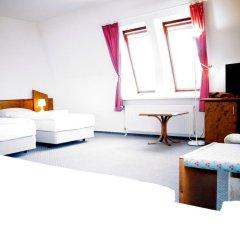 Entrée Hotel Glinde 3* Стандартный номер с 2 отдельными кроватями (общая ванная комната) фото 5