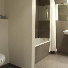 Отель La Madeleine Grand Place Brussels 3* Улучшенный номер с различными типами кроватей фото 2