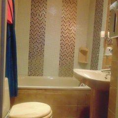 Отель Hôtel Paris Voltaire ванная фото 2