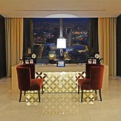 Отель Amman Rotana 5* Стандартный номер с различными типами кроватей фото 7