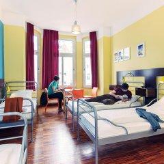 The Circus Hostel Кровать в общем номере с двухъярусной кроватью фото 5