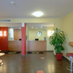 B&B Hotel Dusseldorf-Airport интерьер отеля фото 3