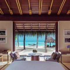 Отель One&Only Reethi Rah 5* Вилла с различными типами кроватей фото 18