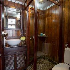 Отель Majestic Halong Cruise 3* Номер Делюкс с двуспальной кроватью фото 6