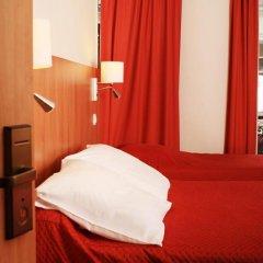 Отель Hôtel Marignan Стандартный номер с различными типами кроватей фото 11