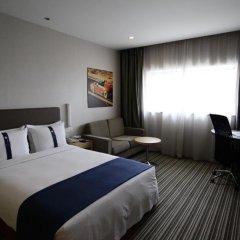 Отель Holiday Inn Express Shanghai New Hongqiao 3* Стандартный номер с двуспальной кроватью фото 4