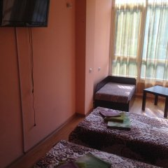 Гостиница Christina Guest house в Ольгинке отзывы, цены и фото номеров - забронировать гостиницу Christina Guest house онлайн Ольгинка комната для гостей фото 4
