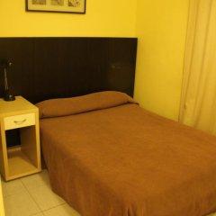 Отель Hostal Baires Стандартный номер двуспальная кровать фото 4