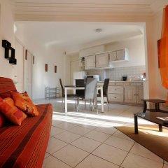 Отель Les Pervenches Апартаменты с различными типами кроватей
