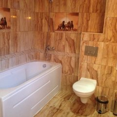 Отель Guest House Romantika Болгария, Копривштица - отзывы, цены и фото номеров - забронировать отель Guest House Romantika онлайн ванная фото 2