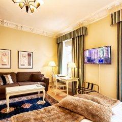 Hotel Royal 3* Улучшенный номер с двуспальной кроватью фото 3