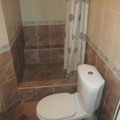 Отель Tsisana Guest House ванная фото 2