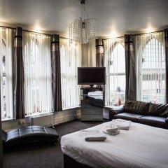 The Mitre Hotel 3* Представительский номер с двуспальной кроватью фото 5