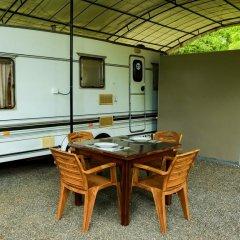 Отель Malwathu Oya Caravan Park в номере