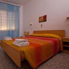 Hotel Carmen Viserba Стандартный номер двуспальная кровать фото 4