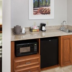 Отель Hampton Inn & Suites Tulare 2* Стандартный номер с различными типами кроватей фото 2
