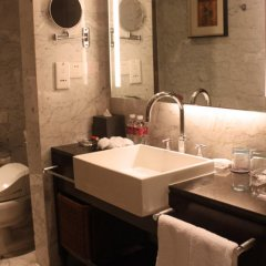 Отель Crowne Plaza Chongqing Riverside ванная фото 2