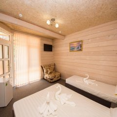 Гостиница Villa Rosa Guesthouse в Анапе отзывы, цены и фото номеров - забронировать гостиницу Villa Rosa Guesthouse онлайн Анапа комната для гостей фото 3