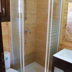 Отель Lincetur Cabañeros - Centro de Turismo Rural Испания, Сан-Мартин-де-Монтальбан - отзывы, цены и фото номеров - забронировать отель Lincetur Cabañeros - Centro de Turismo Rural онлайн ванная фото 2