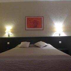 Отель Carlton сейф в номере