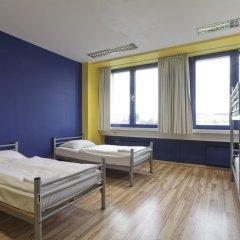 Отель Generator Berlin Prenzlauer Berg Номер с общей ванной комнатой с различными типами кроватей (общая ванная комната) фото 5