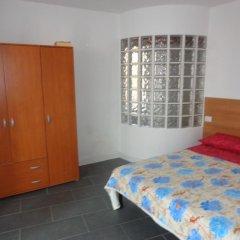 Отель Bilocale Zenobia Италия, Вербания - отзывы, цены и фото номеров - забронировать отель Bilocale Zenobia онлайн комната для гостей фото 5