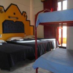 Отель Pension Nuevo Pino Стандартный семейный номер с различными типами кроватей