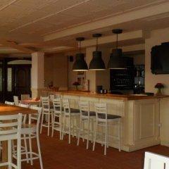 Апартаменты Cedar Lodge 3/4 Self-Catering Apartments Банско гостиничный бар