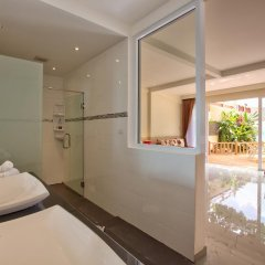 Отель Crystal Bay Beach Resort 3* Номер Делюкс с различными типами кроватей фото 6