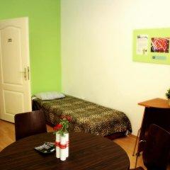Budapest Budget Hostel Стандартный номер с различными типами кроватей (общая ванная комната) фото 18