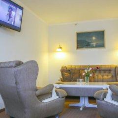 Гостиница Dnipropetrovsk комната для гостей фото 9