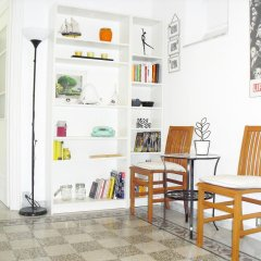 Апартаменты Colorful and Lively Vatican Apartment питание