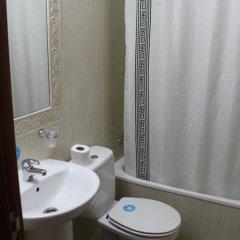 Отель Hostal Jerez Стандартный номер с различными типами кроватей фото 10