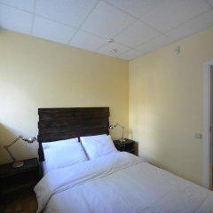 Good Dreams Hostel Стандартный номер с двуспальной кроватью (общая ванная комната) фото 6