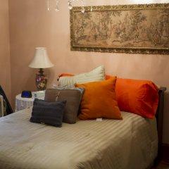 Отель Ledroit Park Renaissance Bed and Breakfast 3* Стандартный номер с различными типами кроватей фото 6
